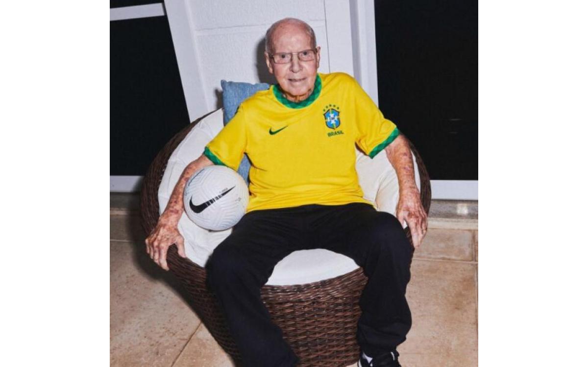 Brasil estrena sus camisetas 2020-21 con tributo a México 70